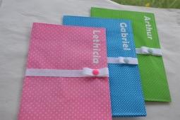 protège carnet de santé - modèle avec fermeture - tissu à pois