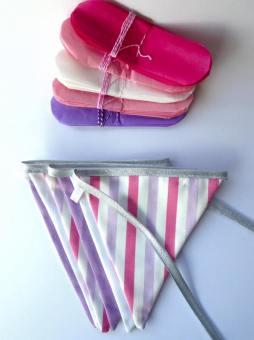 guirlande de fanions - ton rose et parme - lot de 5 pompons de papier de soie coordonnées