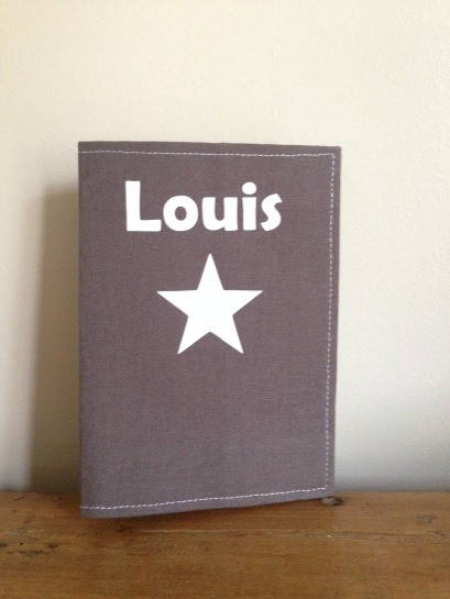 protège passeport - tissu uni - motif étoile