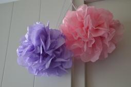Pompons en papier de soie - rose pâle et mauve