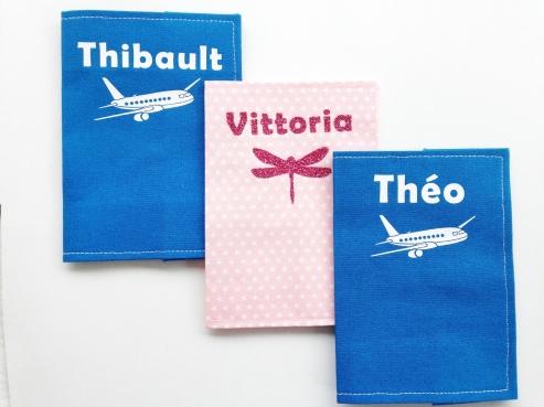 protège passeport - tissus unis et étoilés - motif avion et libellule