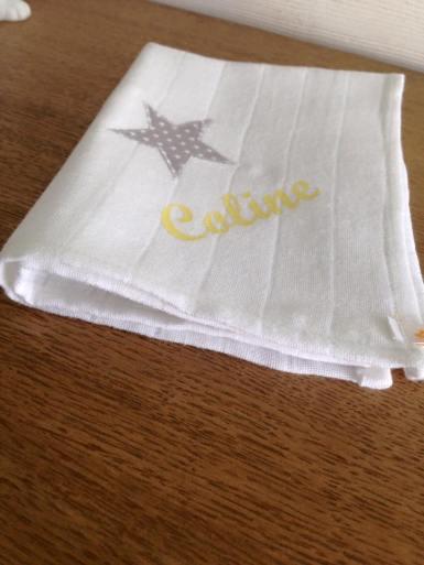 modèle mouchoir - tissu étoilé - flex jaune