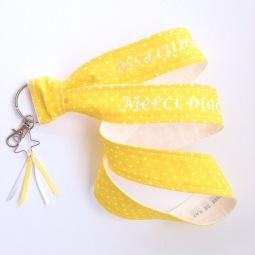 porte clé modèle tour de cou - tissu à pois - flex blanc